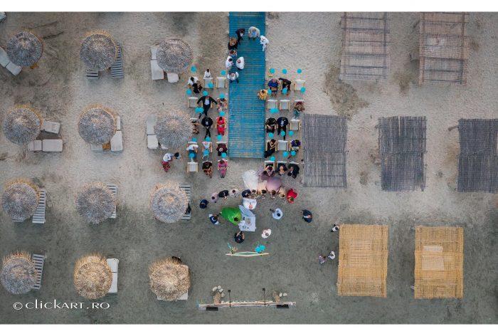 ceremonie religioasa pe plaja