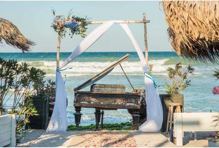 decor nunta pe plaja